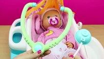La Bebé Nenuco está malita, tiene mocos y va a la Clínica de Bebés | Juguetes de Nenuco en español