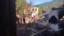 Mahalleli Yangına İtfaiye Aracından Çektikleri Hortumla Müdahale Etti