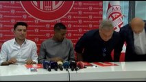 Antalyaspor, Vainqueur ile 3 Yılık Sözleşme İmzaladı