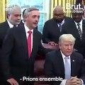 Donald Trump prie avec des leaders spirituels