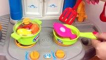 En bois bébé cuisine jouets cuisine Ensemble et les légume Coupe et cuisine sur bébé cuisine
