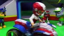 Et chasse aide parodie patrouille patte jouets vidéo Nickelodeon everest santa clause rudolph