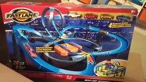 Et des voitures vite rapide pour amusement amusement chaud enfants voie chemin de roulement contre-courant jouet jouets roues |