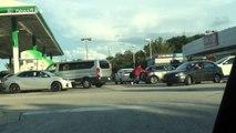 Florida residents assist broken down motorist before Hurricane Irma