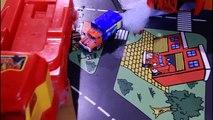 Jouet des voitures se plonger dans mousse de nombreux jouet des voitures pour amusement jouets des voitures pour garçons vidéos pour enfants et
