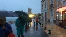 La pluie gâche le concert de Tri Yann