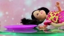 Dessin animé enfants docteur poupées pour des jeux filles dans russe jouets avec Barbie