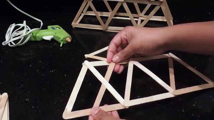 Un et un à un un à pont construire Comment fort à Il ferme avec triangles