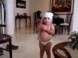 Un bébé bouge comme shakira