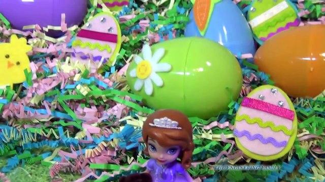 FROZEN Queen Elsa, Sofia the First, and Disney Junior Doc McStuffins have a Toy Surprise Egg