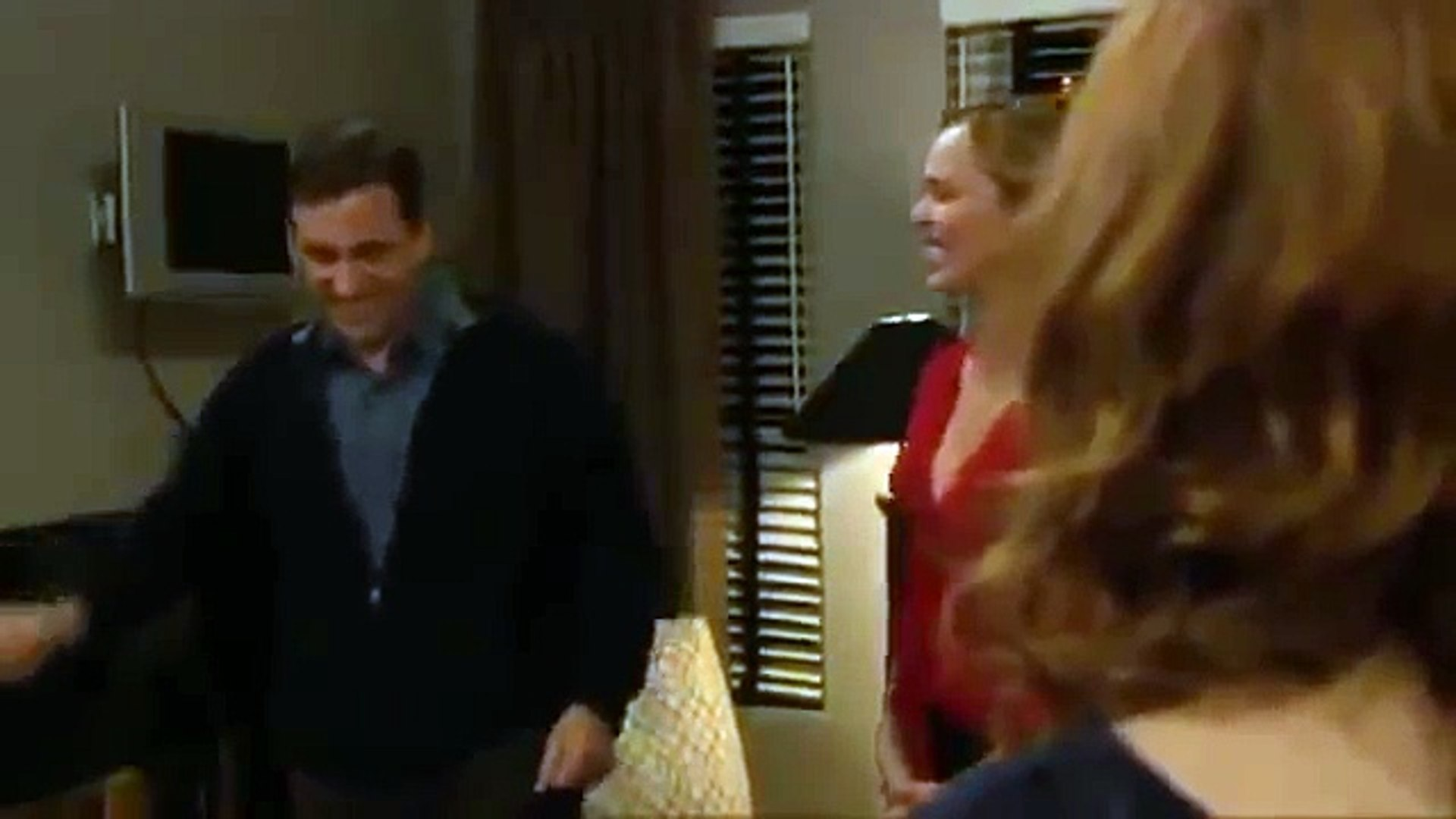 Folds right into the wall - The Office Blooper - Michael Scott plasma TV