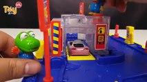 Voiture changer couleur couleur vite rapide voie gare jouet trains jouets Yura passent la couleur de changement de couleur de la station, jouer, jouer de lavage de voiture Saison