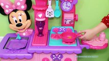 MINNIE MOUSE Disney Minnie Mouse Flipping Kitchen a Funny Minnie Mouse Video Toys Unboxing