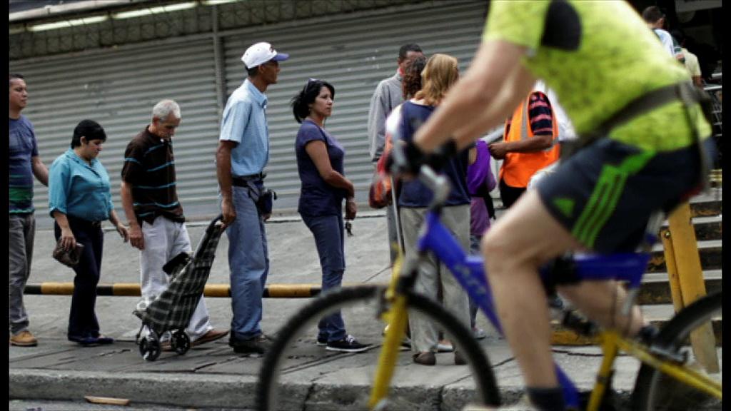Venezuelans told to eat rabbits