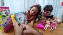 Barbie bebeklerimiz için hamak ve kaykay, bebişler hamak için kavga ediyor, toys unboxing