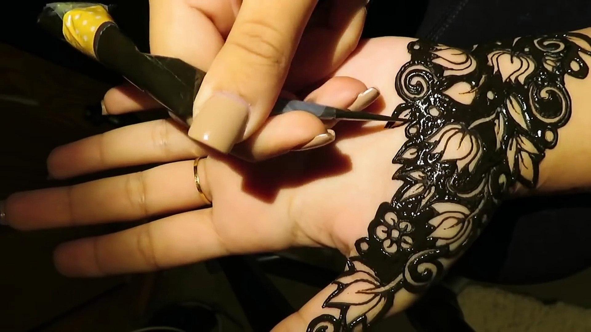 New Negative Space Henna Design