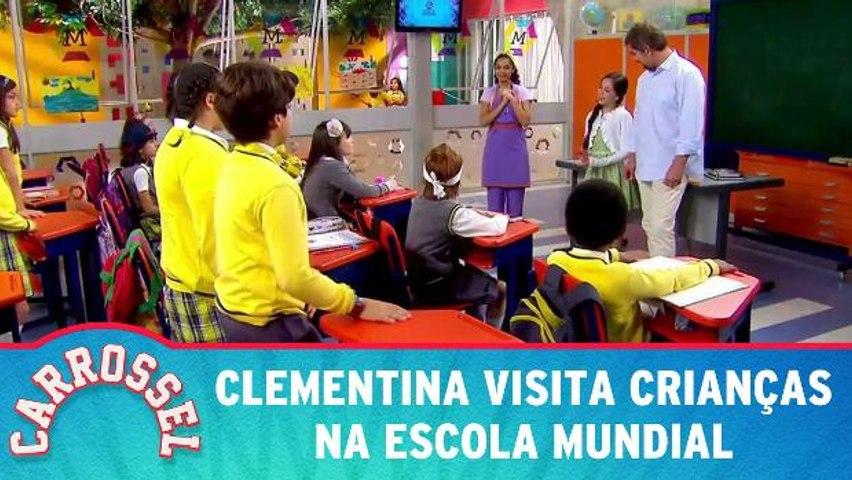 Clementina visita crianças na Escola Mundial