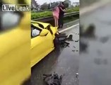 Elle conduit en peignoir et détruit sa voiture de luxe sur l'autoroute !