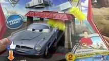Des voitures jouer Ensemble disney pixar toutes les boites de jeu pistes et circuits et flash mcqueen