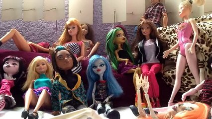 Vida de boneca 1 (stop motion Monster High-Barbie)