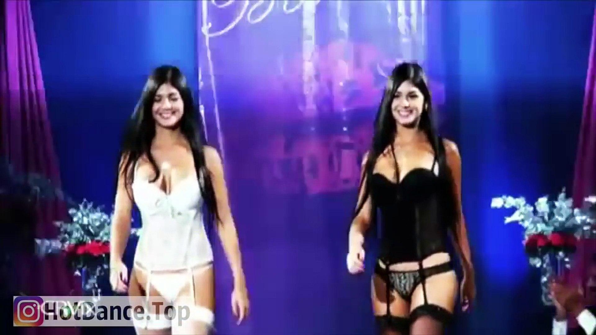 The Devil and Maria dAvalos