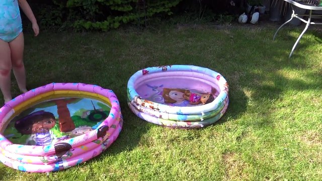 FUN in the SUN with Doc McStuffins & Princess Sofia The First Splash Pool