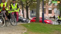 L'Avenir - Les parlementaires arrivent à vélo au Parlement de Wallonie