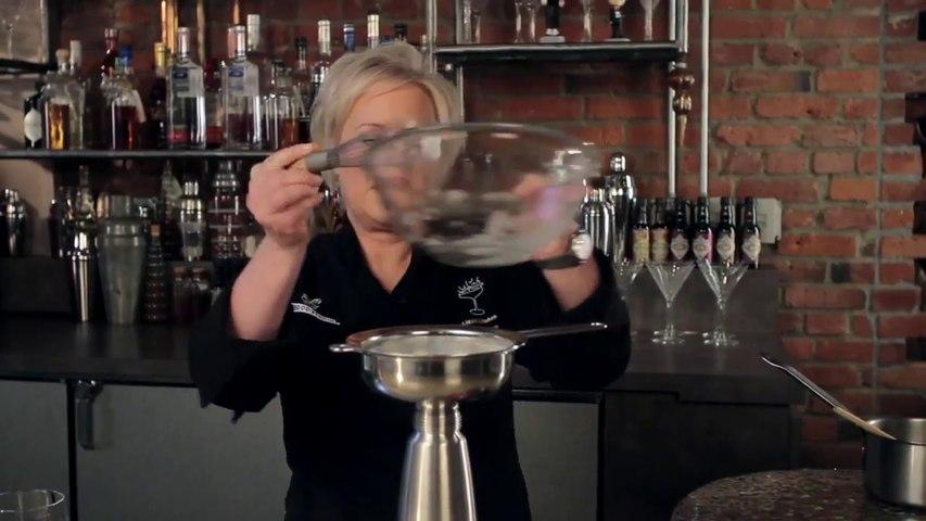 Liquid Kitchen Luxury Gin & Tonic - Kathy Casey's Liquid Kitchen - Small Screen