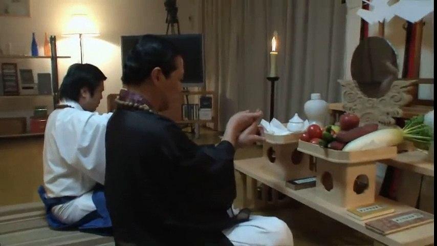 Kinh hoàng sinh vật kỳ lạ tấn công thầy trừ tà Nhật Bản | Godialy.com