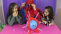 BOOM BOOM BALLOON Spiderman vs Challenge Popping Surprise Balloons Family Fun