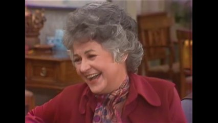 Maude: The Complete Series - Clip: Maude's Sophisticated New Friends