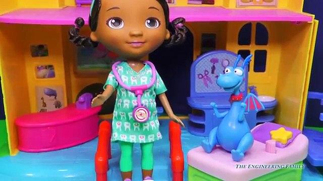DOC MCSTUFFINS Disney Doc McStuffins & Stuffy Dentist Set a Doc McStuffins Video Toy Review