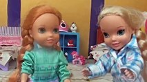 Elsa and Anna Toddlers Dentist! Loses 1st tooth Tooth Fairy Brushing Teeth Bed Frozen Barbie Dolls