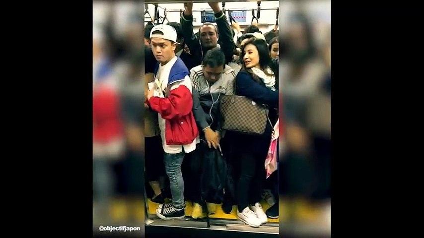 Đây là cách mà người Nhật Bản đi tàu điện ngầm trong giờ cao điểm   Godialy.com