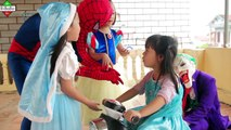 Frozen Elsa & Spiderman motorcyclists and automobiles Joker kidnapped princess Motorcycle & Car toy