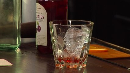 Rye Old Fashioned - The Cocktail Spirit with Robert Hess - Small Screen