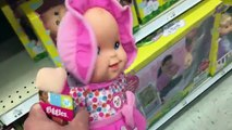 TOYSRUS TOY HUNT SURPRISE! Cute Little Girl gets toys from DAD (Grims Toy Show)