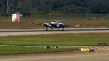 Un atterrissage très drôle d'un petit avion !