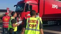 Vidéo - Grève des routiers : sur le barrage filtrant de Lavéra à Martigues