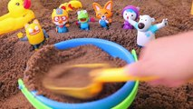 Make Sand house with Pororo friends and have fun in the water play! Children's sand play video-LMf1qNepj4c