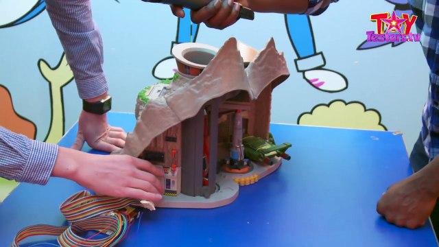 New new Interive Thunderbirds Tracy Island - Full review @ Hamleys Toy Shop