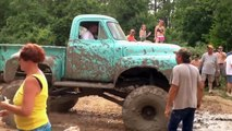 GMC Jeep And Big Trucks 4x4 Extreme Mudding Off Raoad - Extreme Offroad 4x4