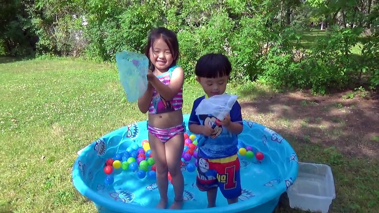 Disney Finding Dory Toys | Fun Kids Fishing water games bath balls