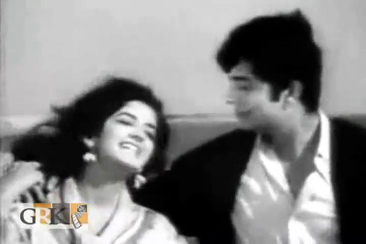Hum Ko Duayen Do Tumhen Qatil Bana Dia - Munir Hussain & Mala Begum - Lyrics Fayyaz Hashmi - Music A.Hameed - Film Eid Mubarak (1965)