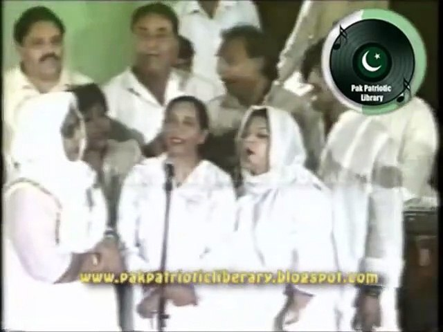 LIVE version - Aey Hawa Kay Rahio - Munir Hussain Chorus - Lyrics Mehmood Sham - PTv 1986
