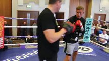 'COMING FOR YOU MASHER LAD!' - THOMAS STALKER HITS THE PADS w_ TRAINER DANNY VAUGHN _ DODD v STALKER-CR7xAFRzE64