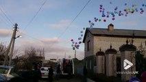1000 ballons d'hélium lâchés dans le ciel pour l'anniversaire de cette fillette !