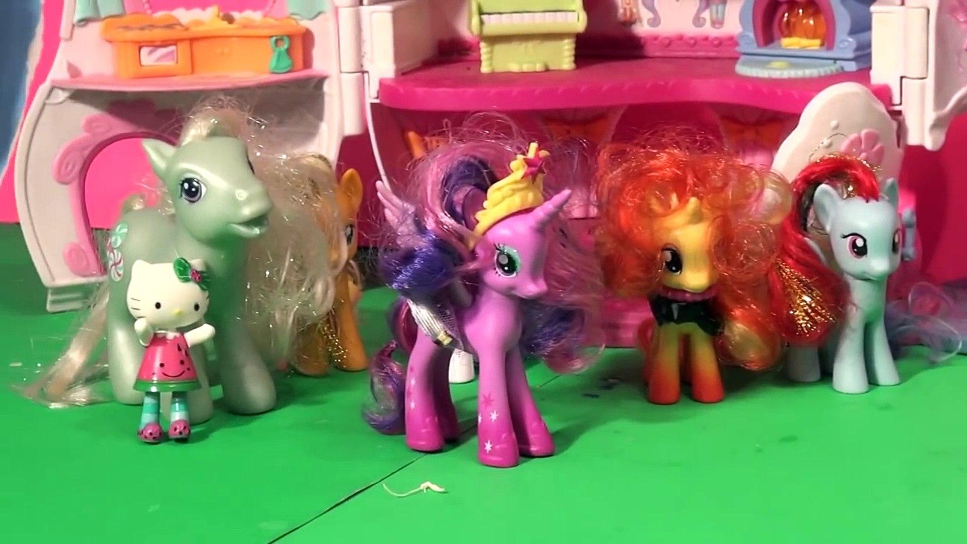 Little Pet Shop Magic Motion Toy and 5 Surprise Eggs
