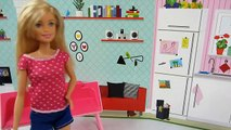 Barbie, Taffy come Nutella y hay que bañarla. Barbie y su perrito chip chap.