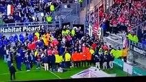 La barrière d'une tribune s'écroule lors du match Amiens-Lille